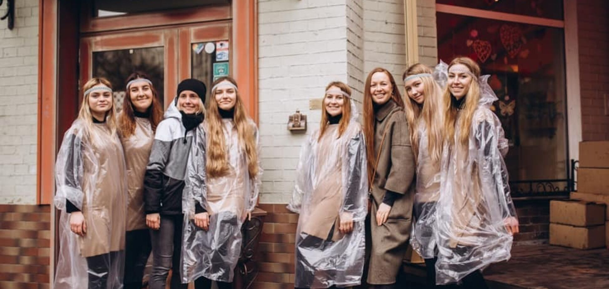 Потрешь фигурку - откроются все двери: в Киеве установили необычный мини-памятник