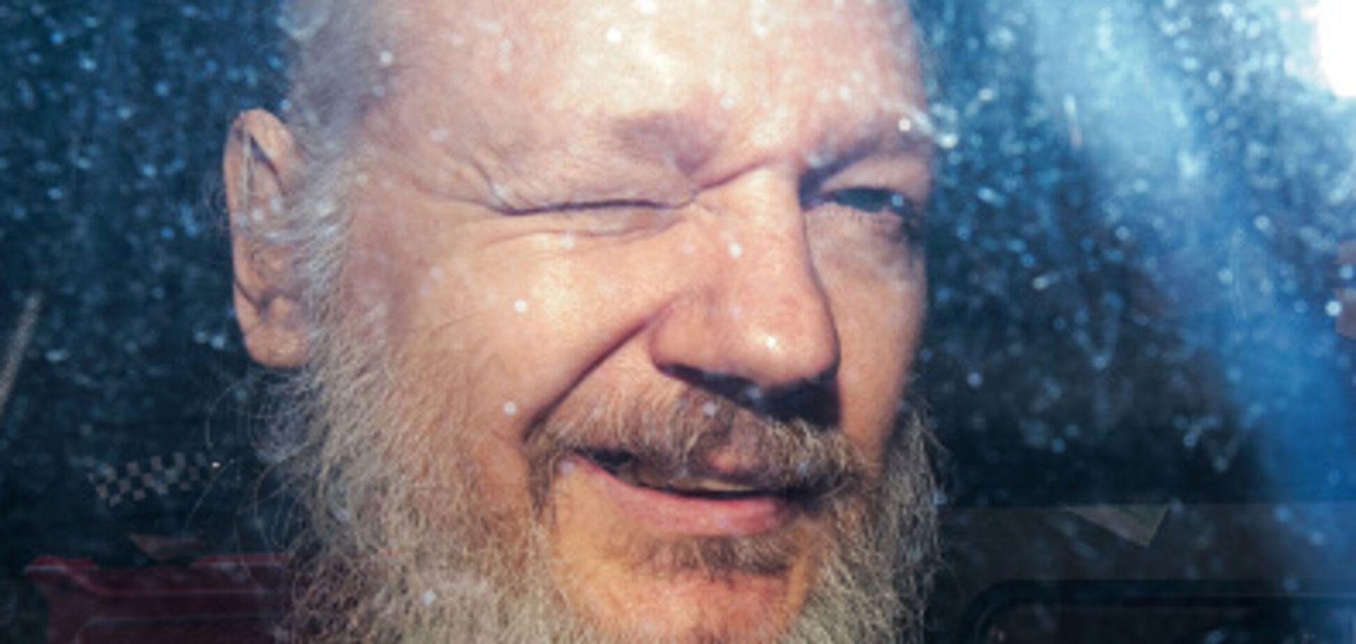 Головний викривач світових таємниць Ассанж затриманий у Лондоні: всі подробиці
