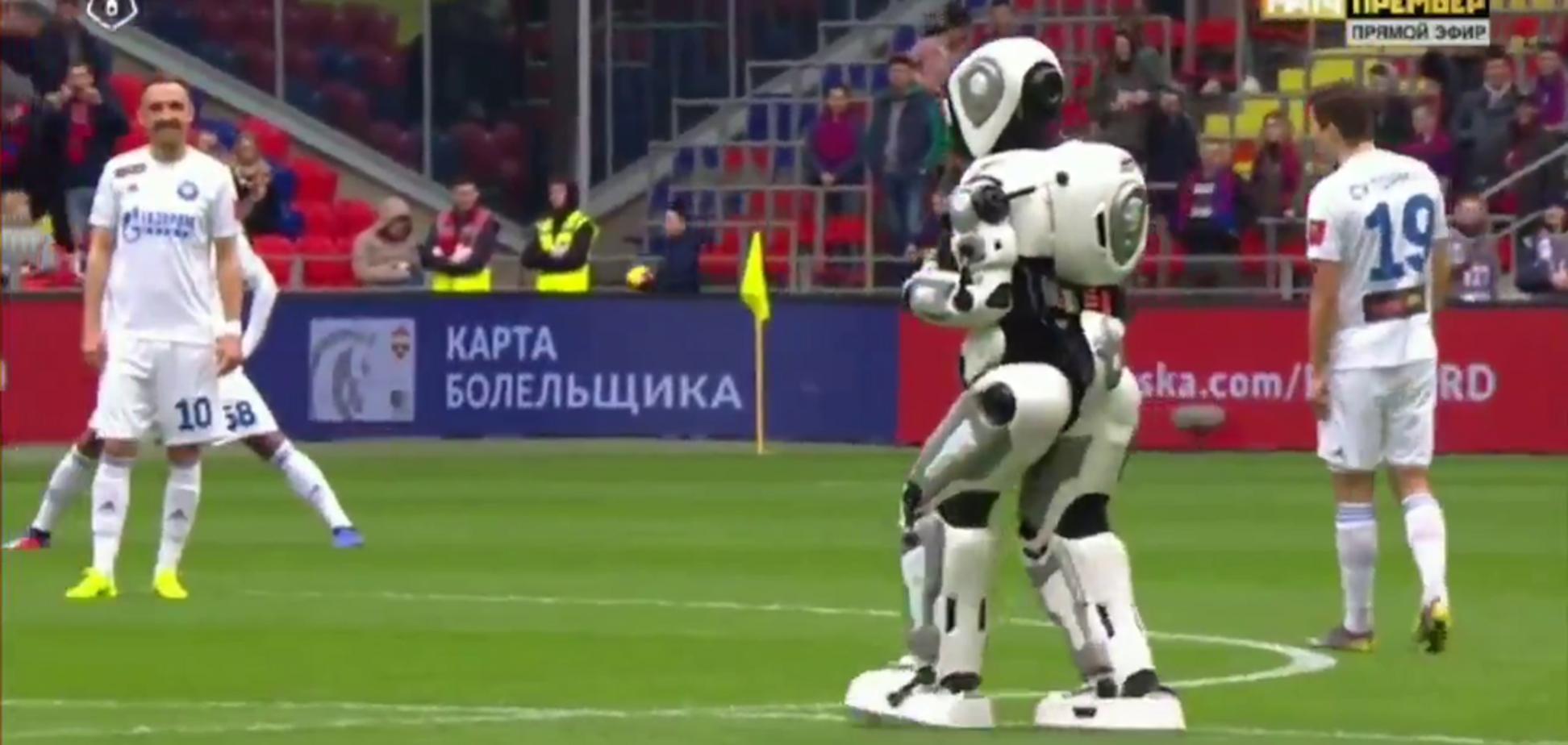 'Какой стыд': в России грандиозно опозорились с 'суперроботом' на футболе