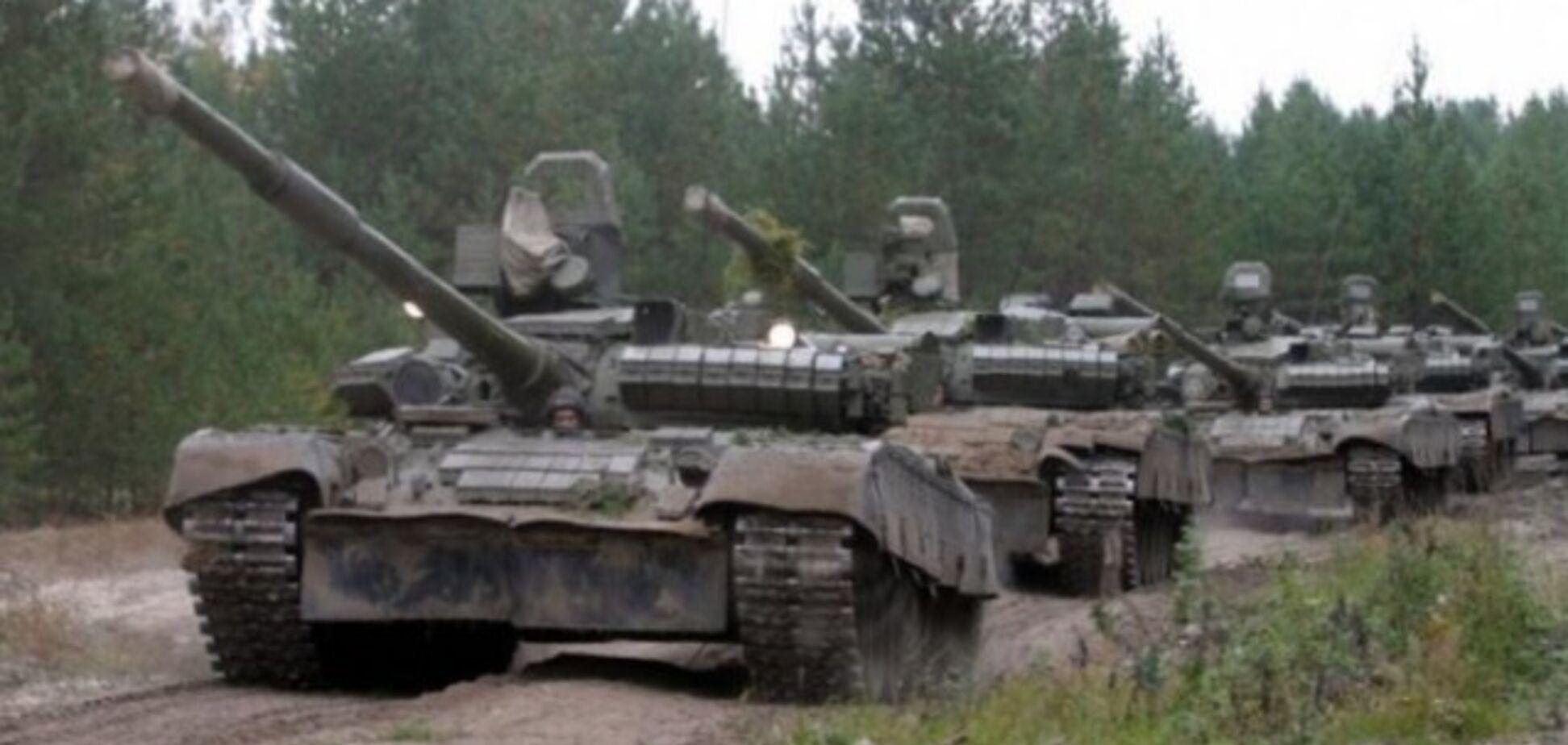Готовятся к атаке? 'Л/ДНР' стащили танки к линии фронту: отчет ОБСЕ