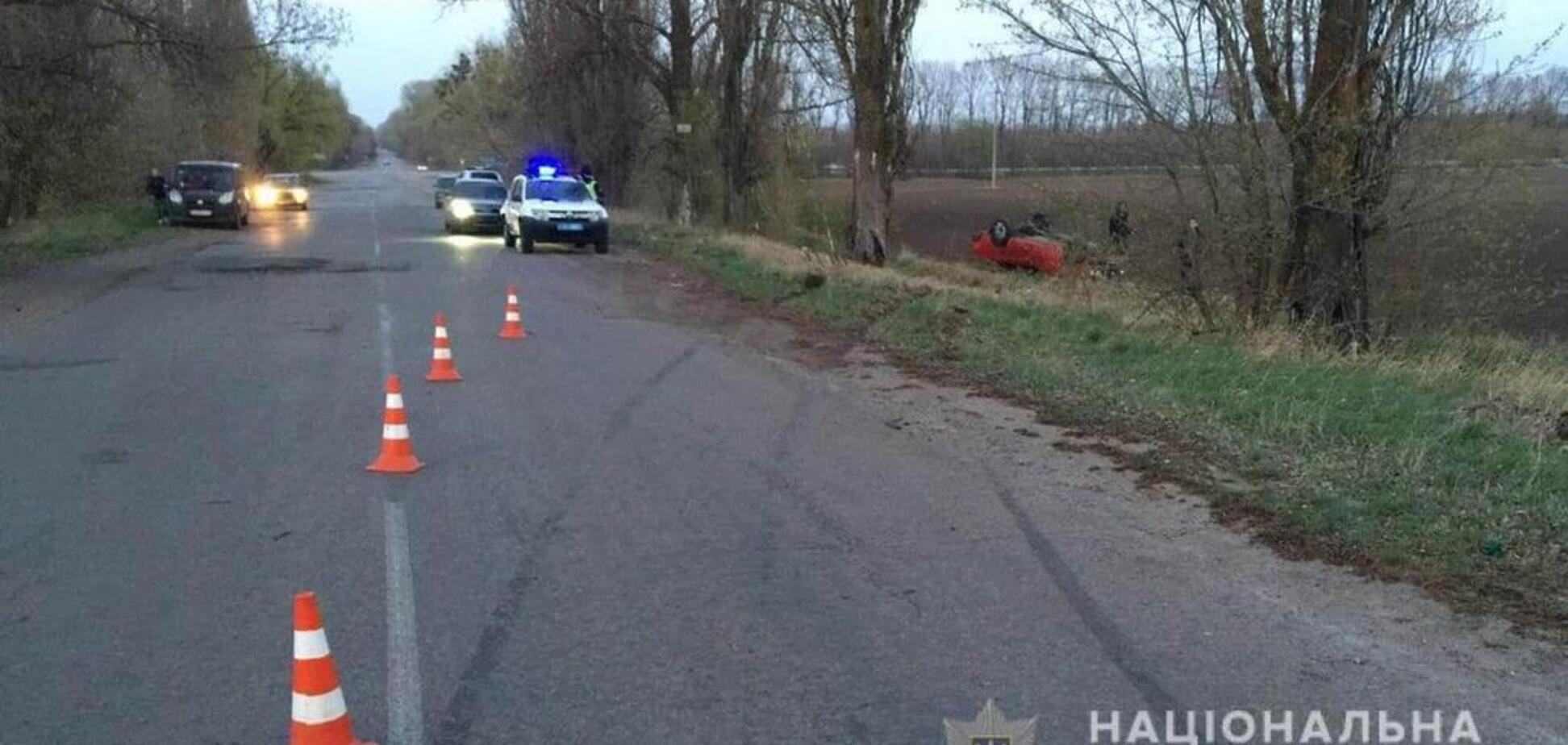 У водителя не было прав: под Киевом в ДТП погибла девушка-подросток