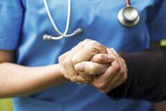 Чоловіки під ударом: лікар розповіла про страшну хворобу, яка загрожує людям