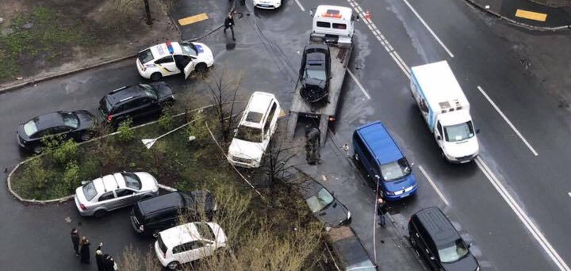 Хотели устроить самосуд: в Киеве водитель авто разбил 4 машины