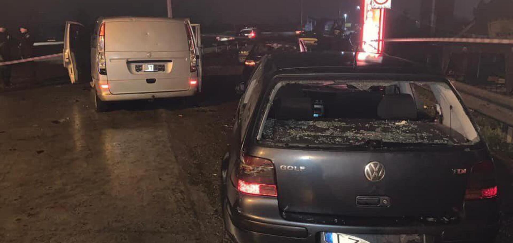 'На глазах у полиции': на Киевской трассе неизвестные устроили кровавую перестрелку: фото