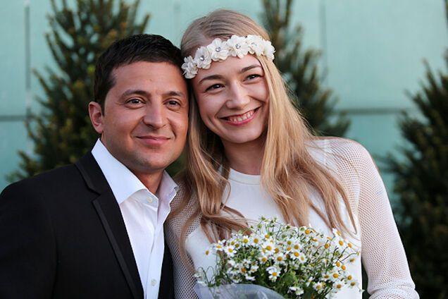 Акиньшиной - 32: самые горячие фото актрисы, целовавшейся с Зеленским