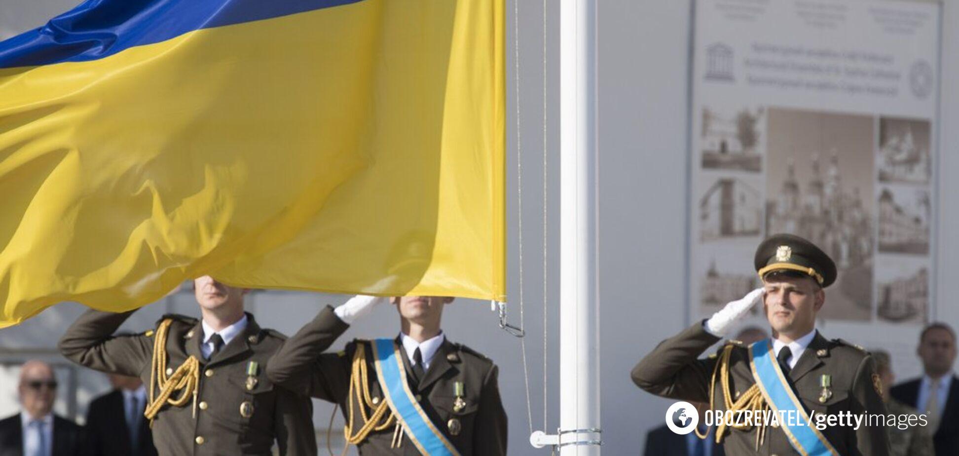 В Україні різко підвищили зарплати військовим: кому і як