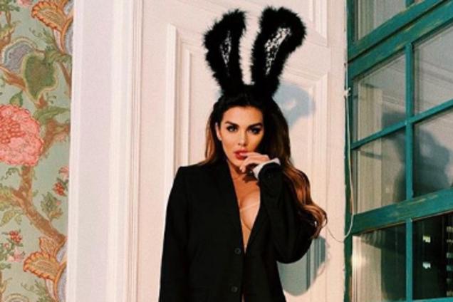 """""""Кукла силиконовая"""": Седокова разозлила сеть фото с огромной обнаженной грудью"""