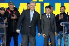 Дебаты на 'Олимпийском': друг Зеленского появился на сцене в матерной кофте