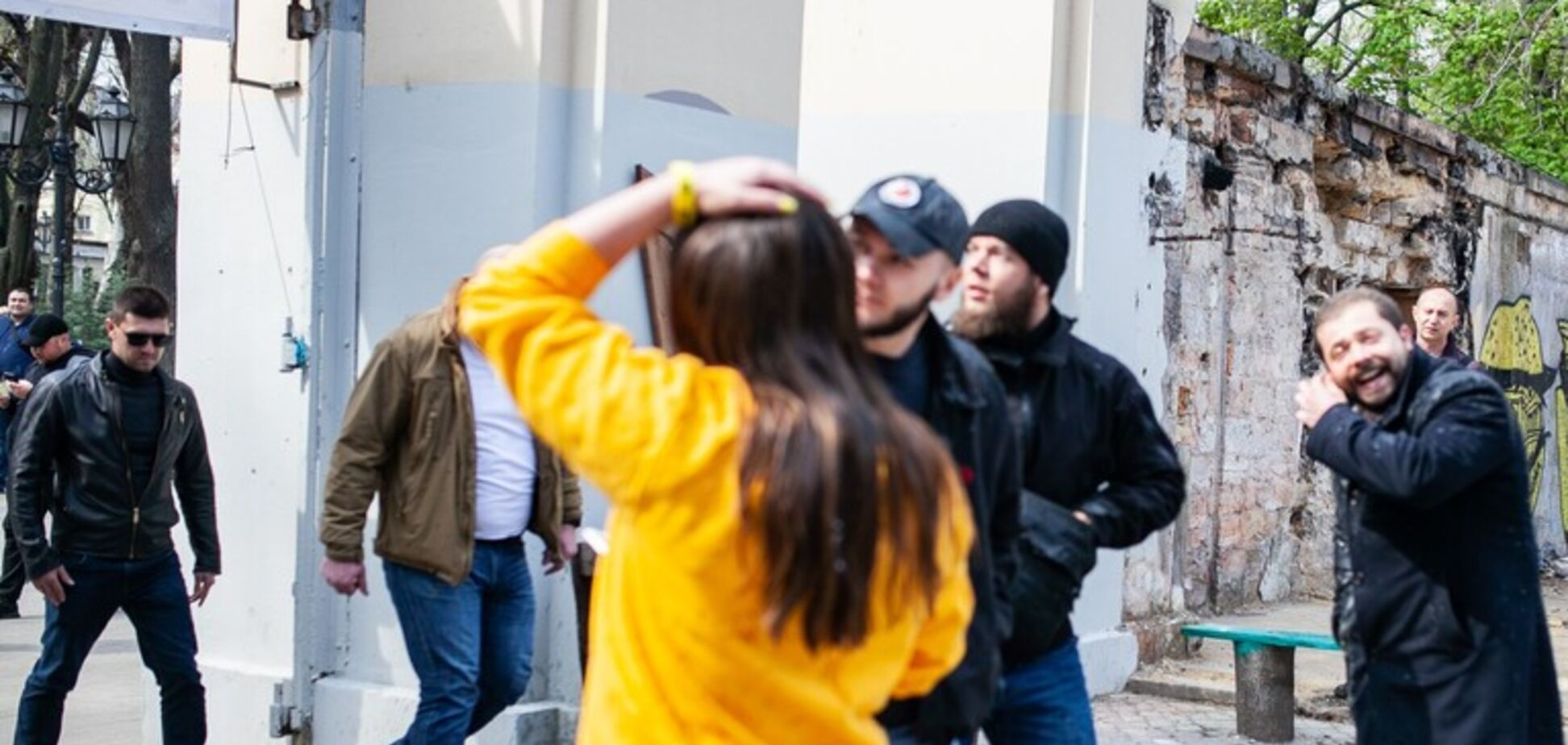 Известного нардепа облили фекалиями в Одессе: фото, видео