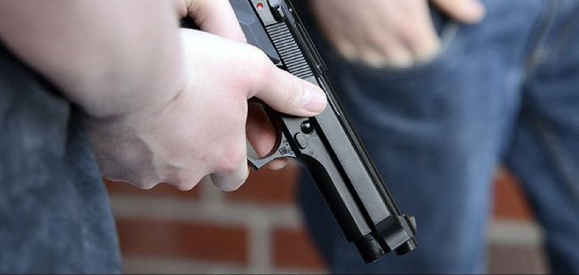 Поссорились с охраной: в Киеве произошла стрельба возле ресторана. Фото и видео