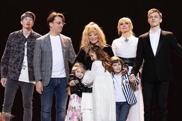 """""""Будет свободна!"""" Дети Пугачевой неожиданно отреагировали на последний концерт мамы"""