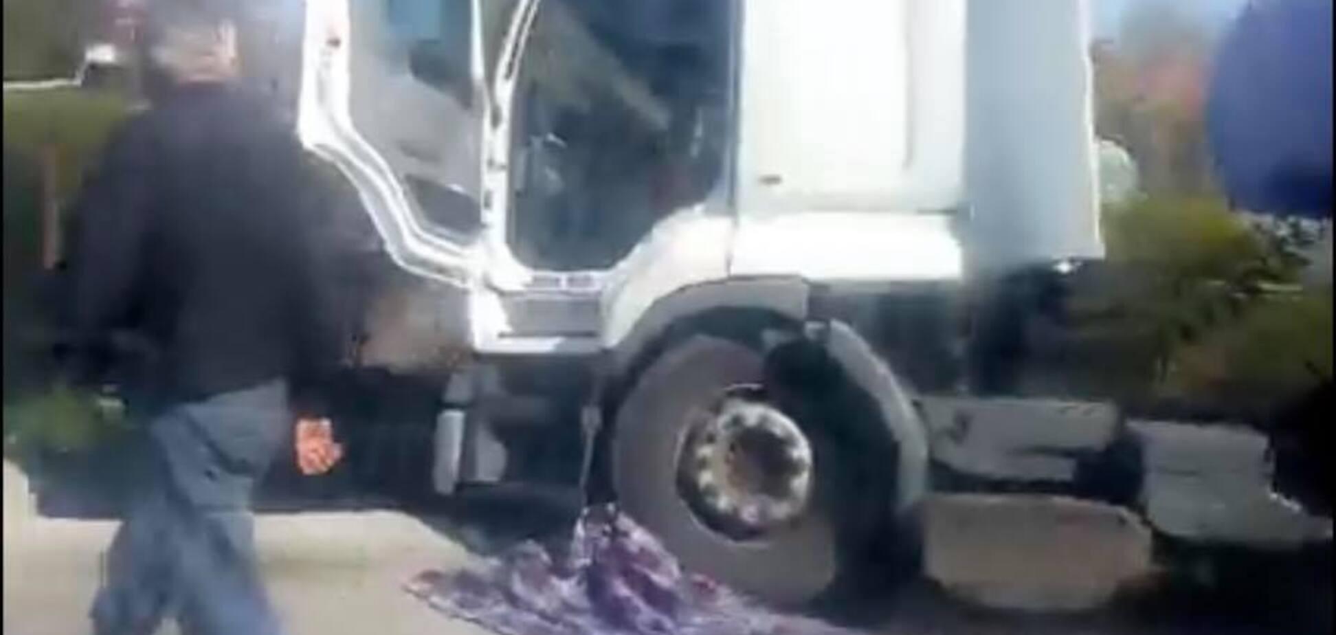 Тащил тело семь метров: на Львовщине грузовик насмерть сбил ребенка