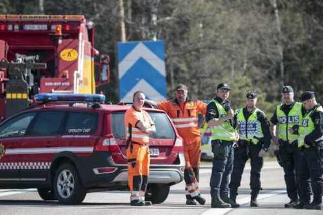 В Швеции перевернулся автобус с туристами: пострадало 8 человек