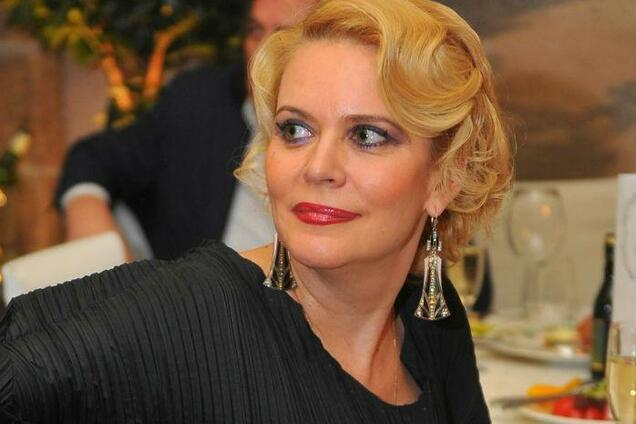 Насиловали втроем: известная российская актриса сделала страшное признание