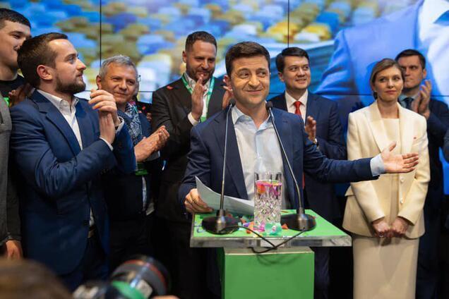 Зеленський хоче переїхати з Києва і скоротити АП