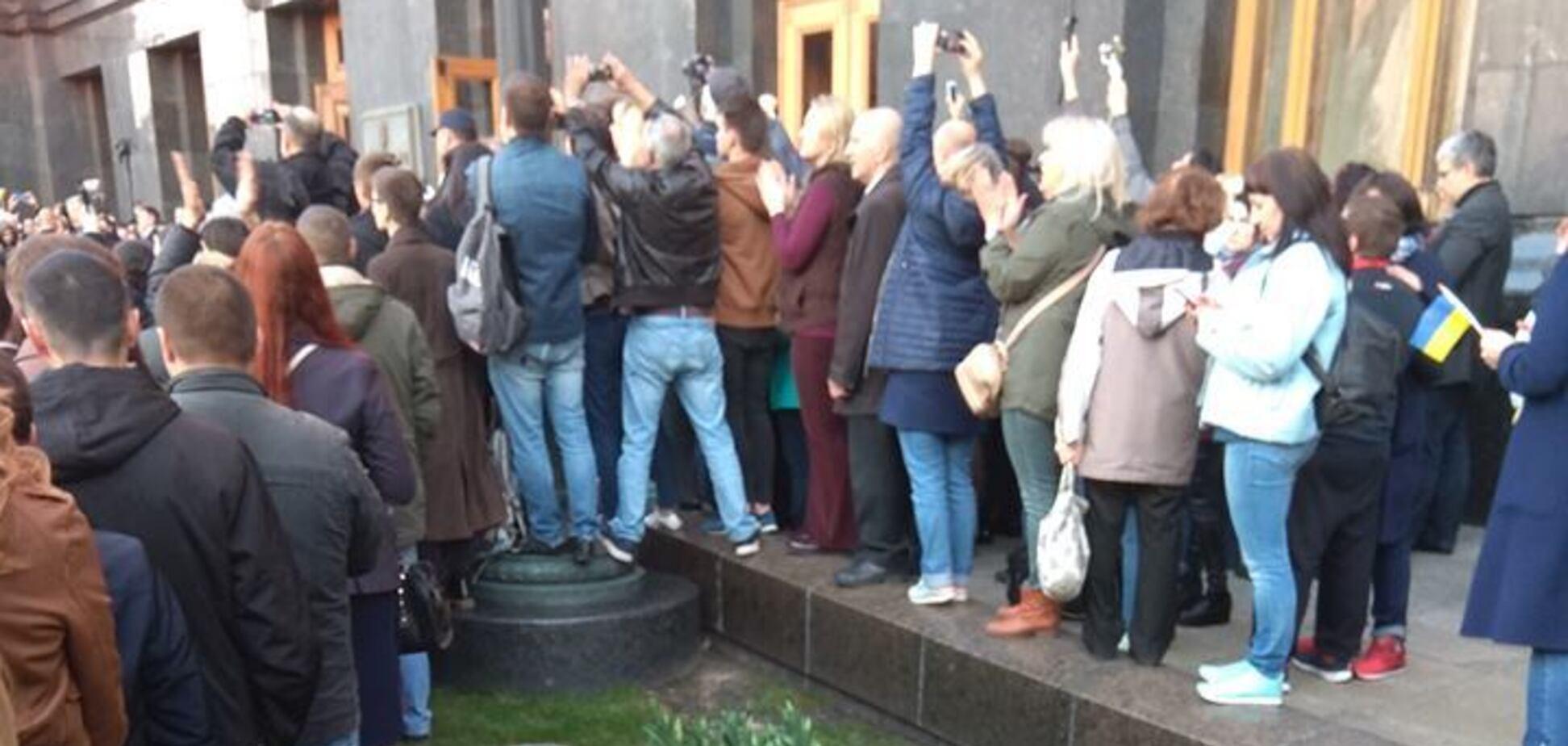 'Зрозуміло, що об'єднує порохоботів?' Українці в захваті від показових фото з центру Києва