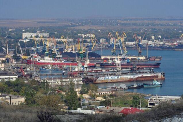 """У Криму нахабно """"кинули"""" на гроші працівників порту"""