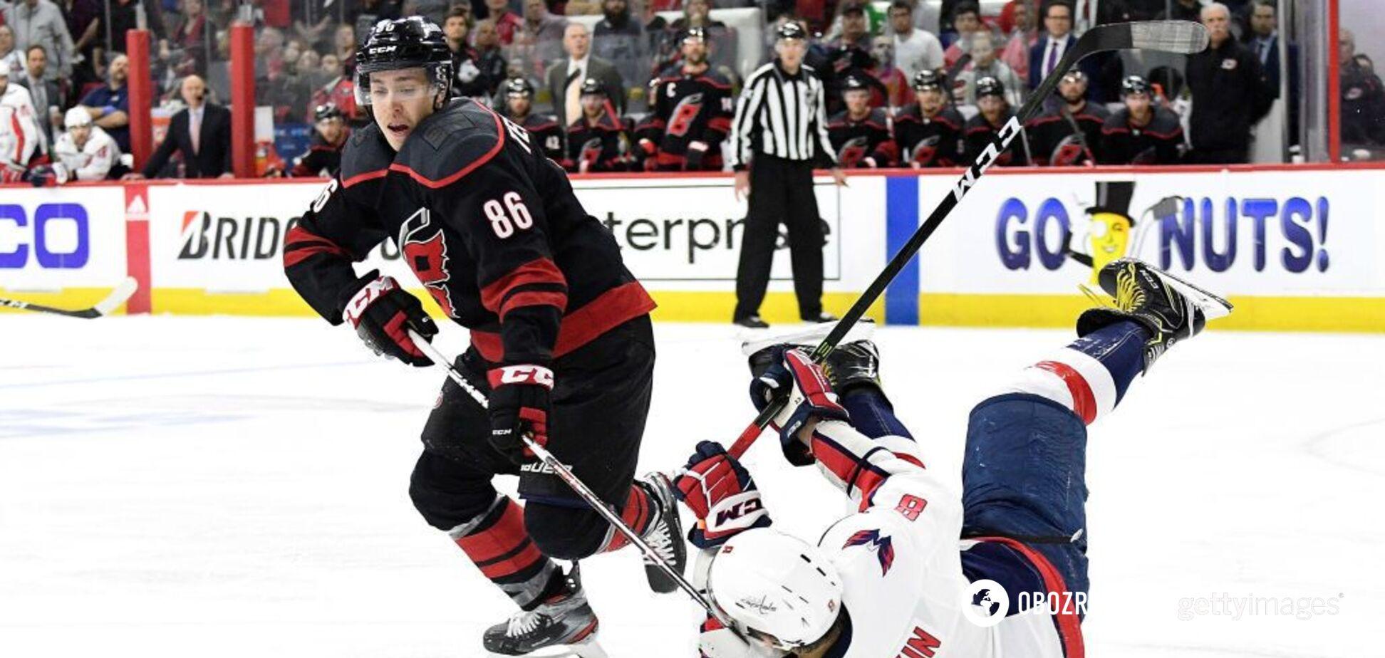 Лучший хоккеист России эпично оконфузился в матче НХЛ: видео курьеза