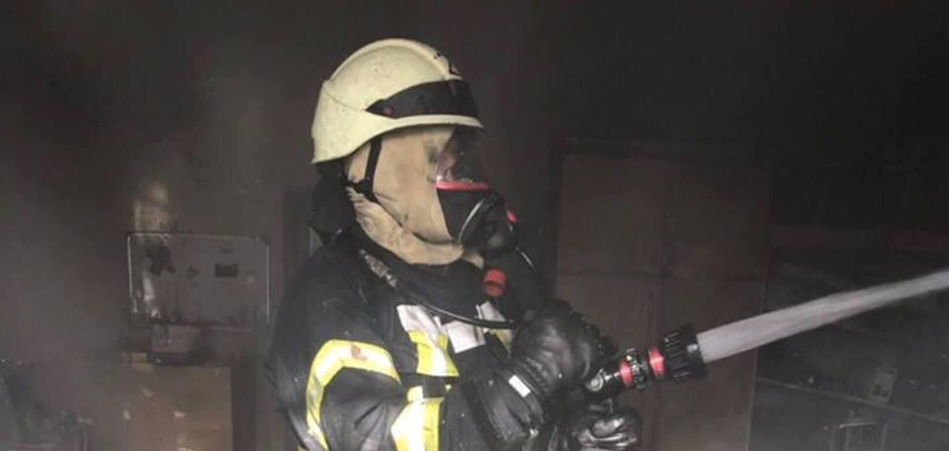 В Киеве вспыхнул пожар на территории Министерства образования: фото
