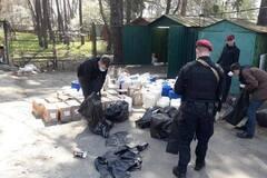 Торгували наркотиками та людьми: в Києві затримали банду поліцейських