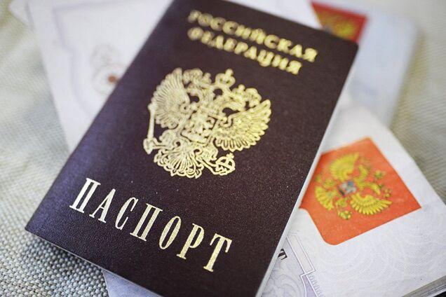"""""""Ответим силой на геноцид"""": в России проговорились, зачем раздали паспорта на Донбассе photo"""
