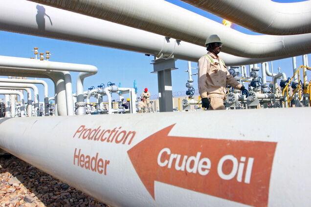 Ще одна країна відмовилася від брудної нафти Путіна