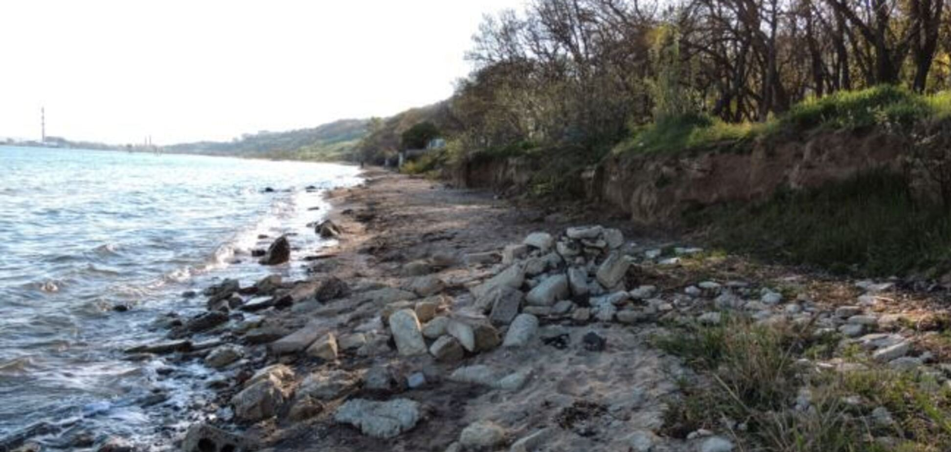 Все зруйновано: окупанти знищили найстаріший пляж у Криму
