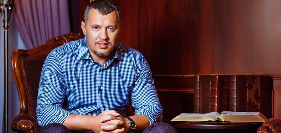 Лидер Духовного Центра 'Возрождение' поздравил украинцев с Пасхой