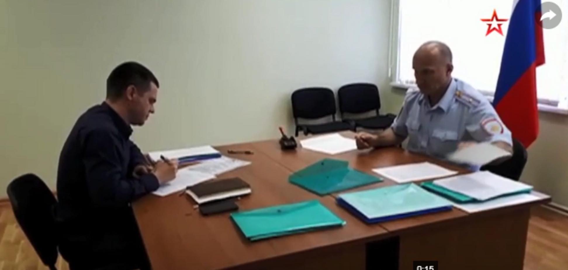 В России начали выдавать паспорта украинцам: видео