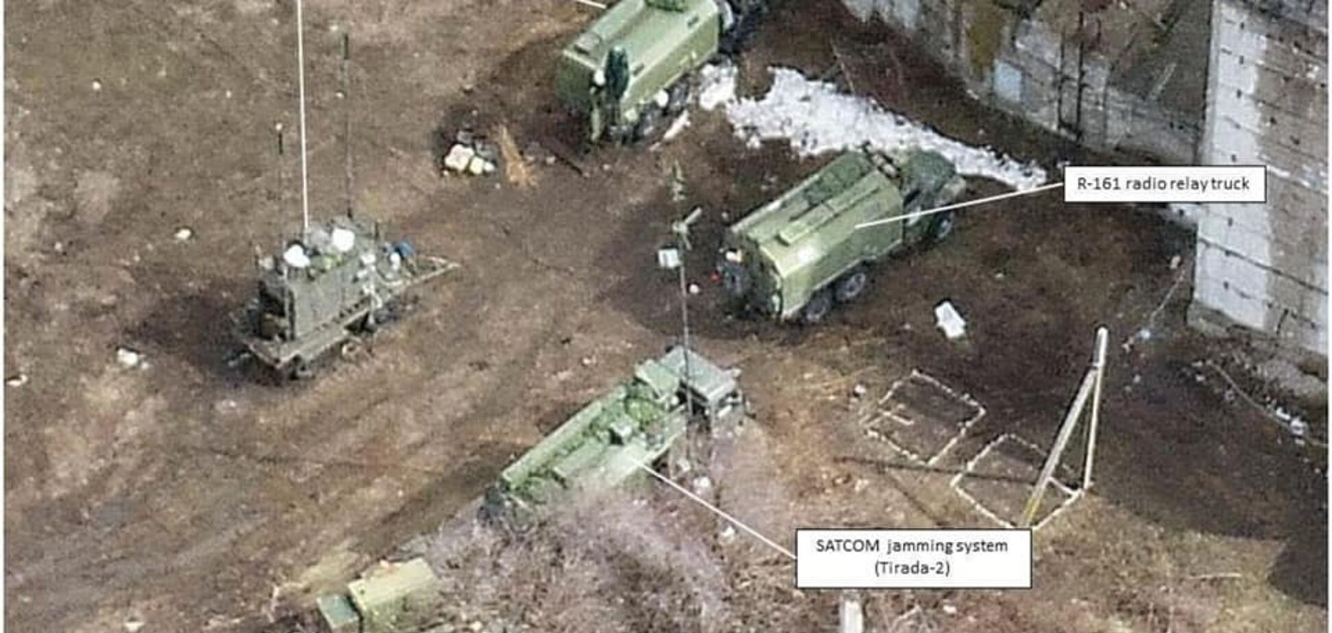 'Гражданская' война? На Донбассе засекли российскую военную технику