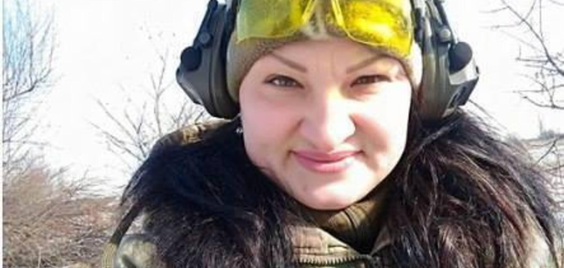 Море людей и цветов: в Харькове попрощались с погибшей 'Ведьмой'