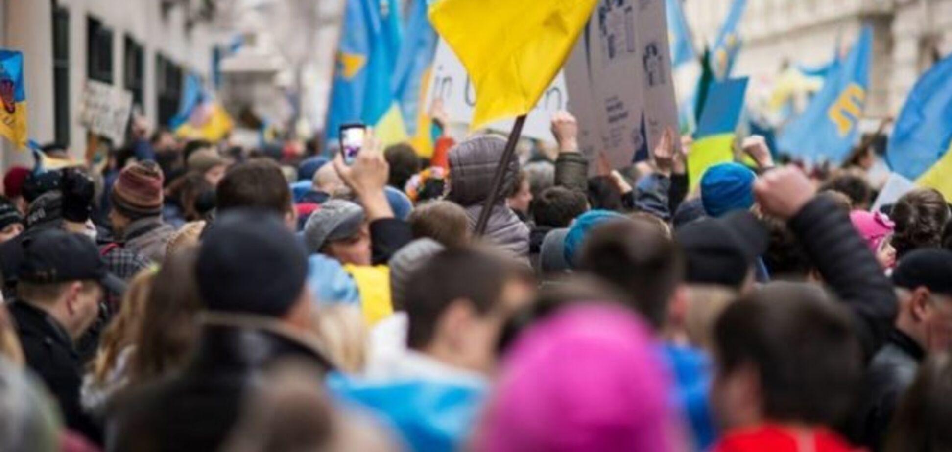 Українці хочуть халяви і видовищ, бажано на панятном язикє