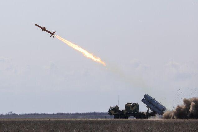 Украинская ракета поразила цель в Черном море