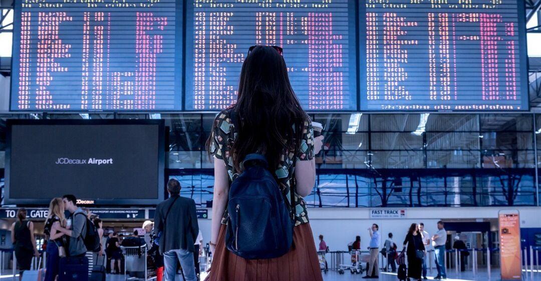 Десятки тысяч 18-летних отправят в бесплатный тур по Европе