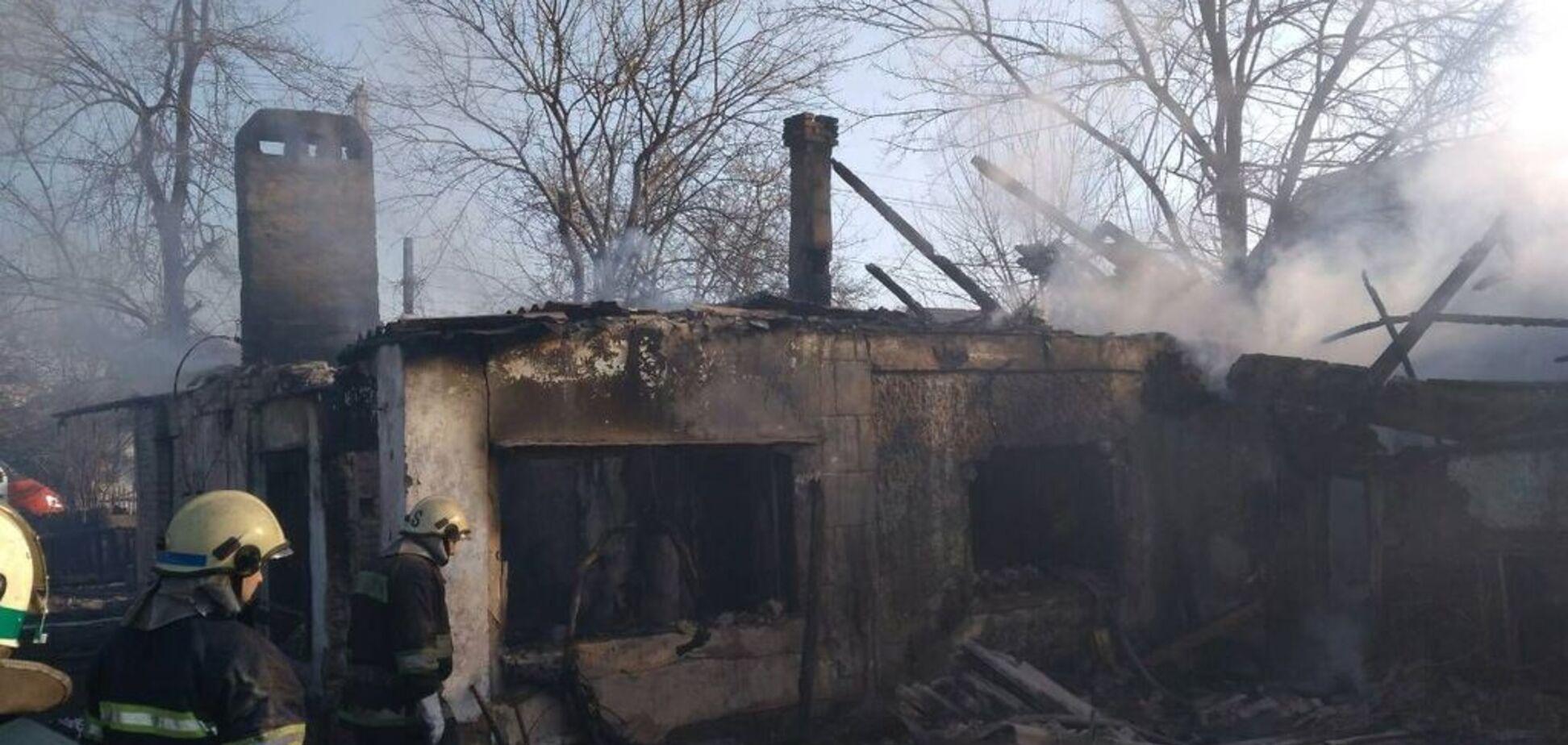 На Днепропетровщине живьем сгорели маленькие дети с отцом: фото и видео 18+
