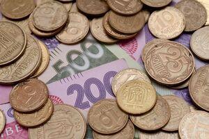 Наблизилися до 2013-го: стало відомо, як виросла зарплата в Україні в доларах