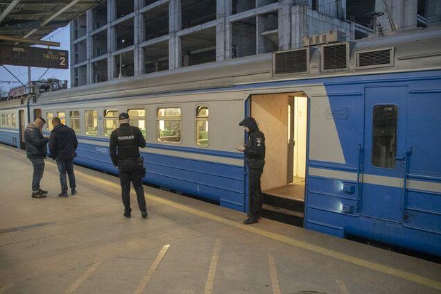 В Киеве в электричке нашли труп 36-летнего мужчины