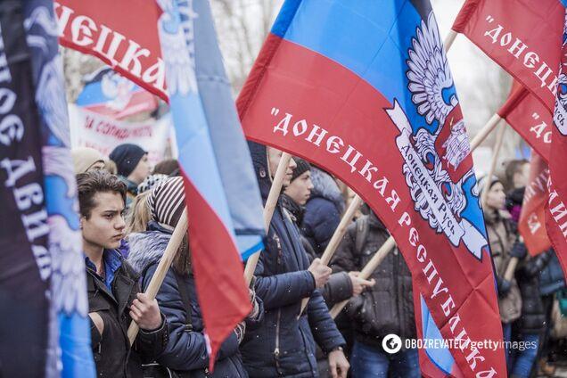 Блогер Володимир Золкін порівняв ціни на продукти харчування в супермаркеті Донецька і низці мережевих українських магазинів