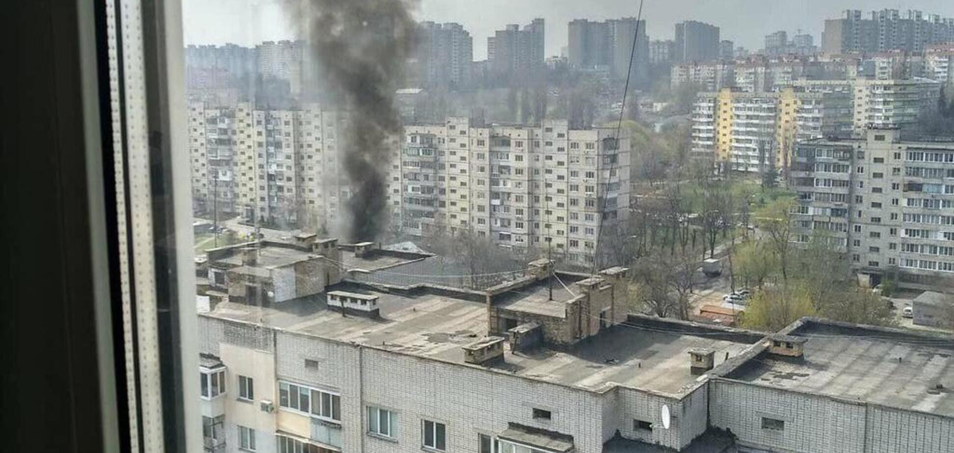 В Киеве произошел пожар в жилом доме: огонь охватил два этажа