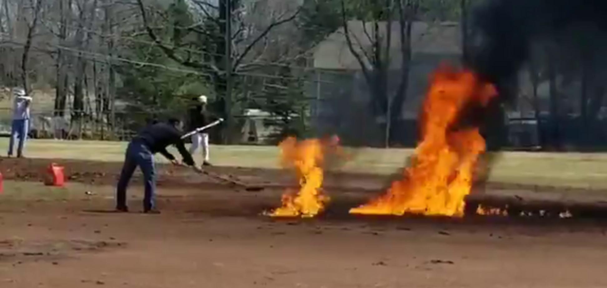 У США спортсмени підпалили майданчик, намагаючись його висушити
