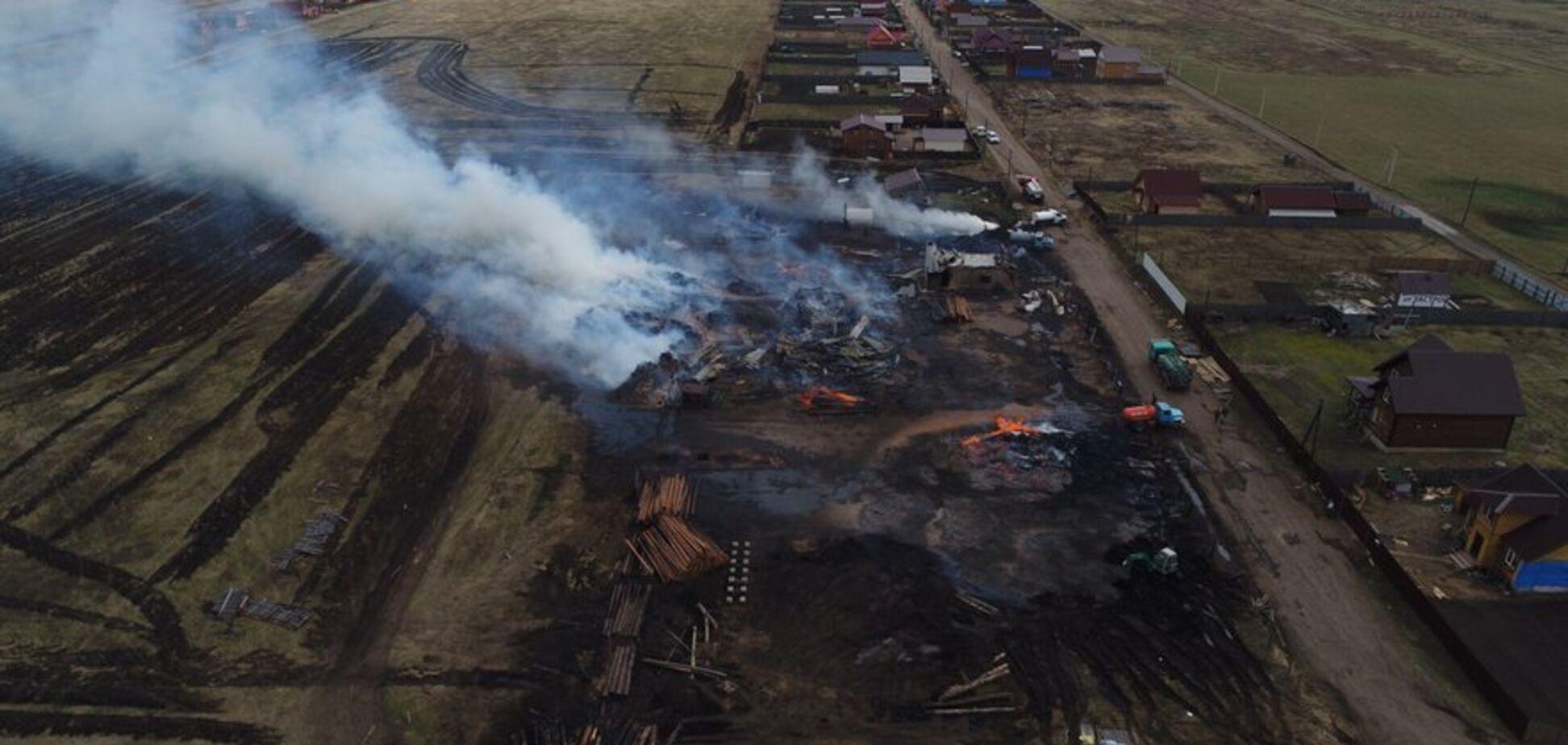 'З неба валиться попіл, важко дихати': частину Росії накрило вогняне пекло. Фото і відео стихії