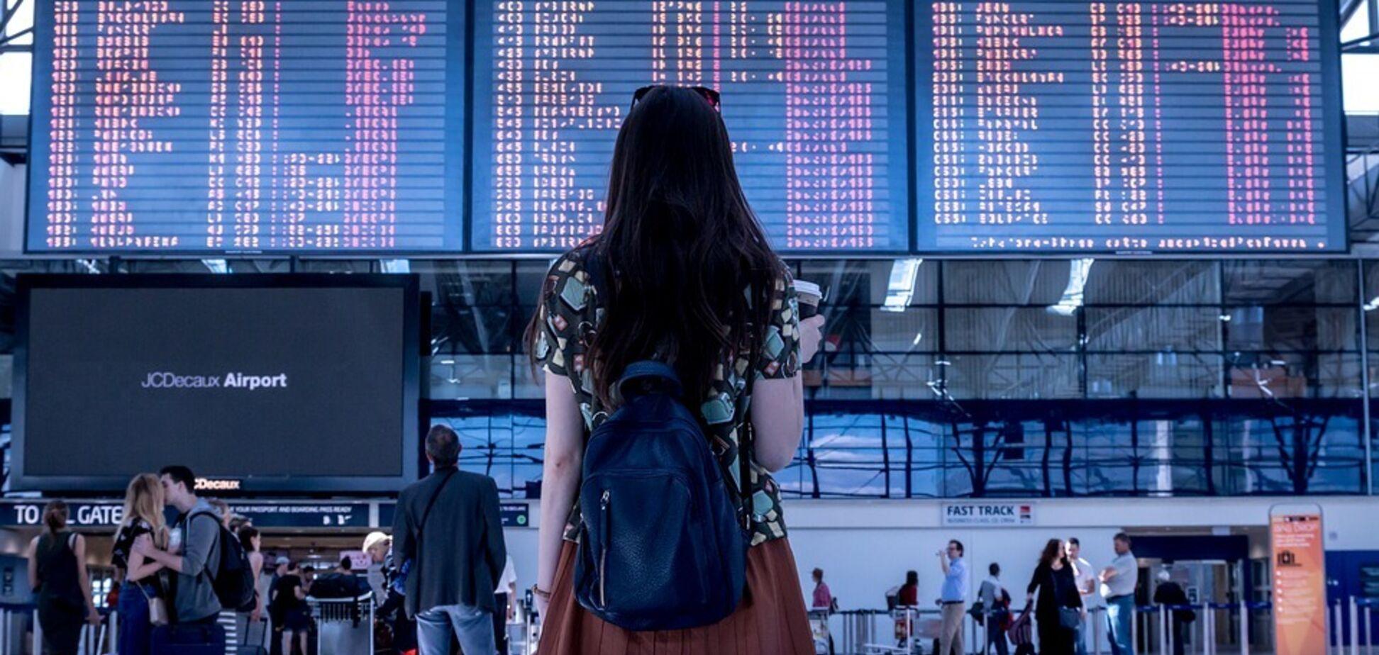 Задержали или отменили рейс: украинским туристам сказали, что делать