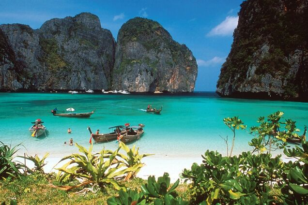 В Таиланде закрыли для туристов самый известный пляж
