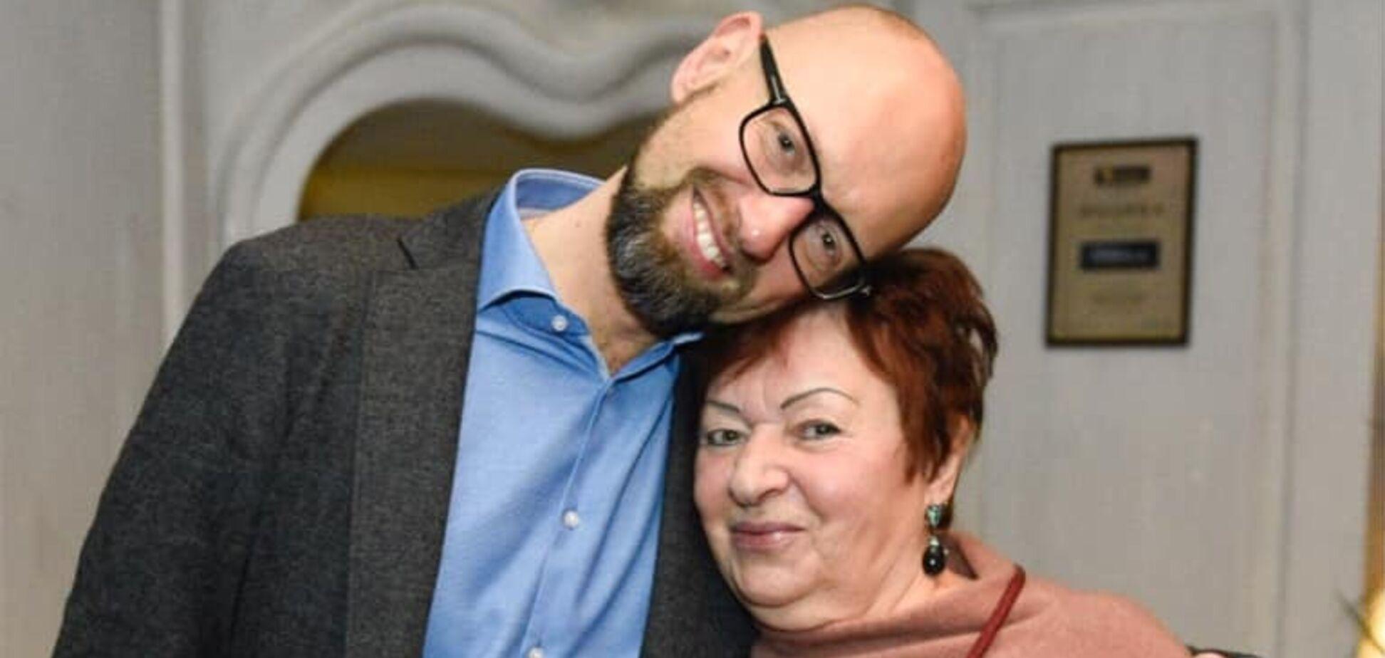 Арсений Яценюк с мамой