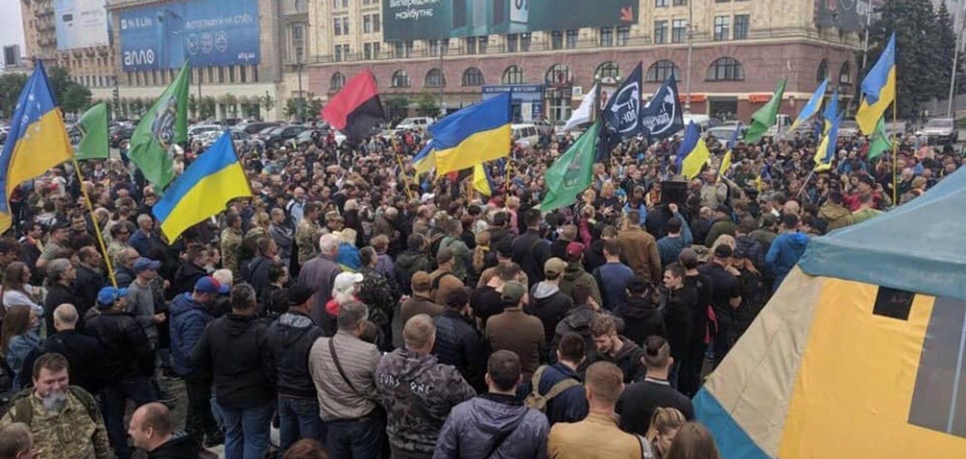 'Для меня это честь': Геращенко вмешалась в скандал с волонтерской палаткой в Харькове