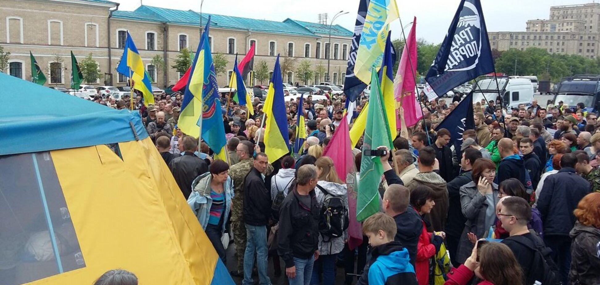 Скандал с волонтерской палаткой в Харькове: в полиции приняли решение