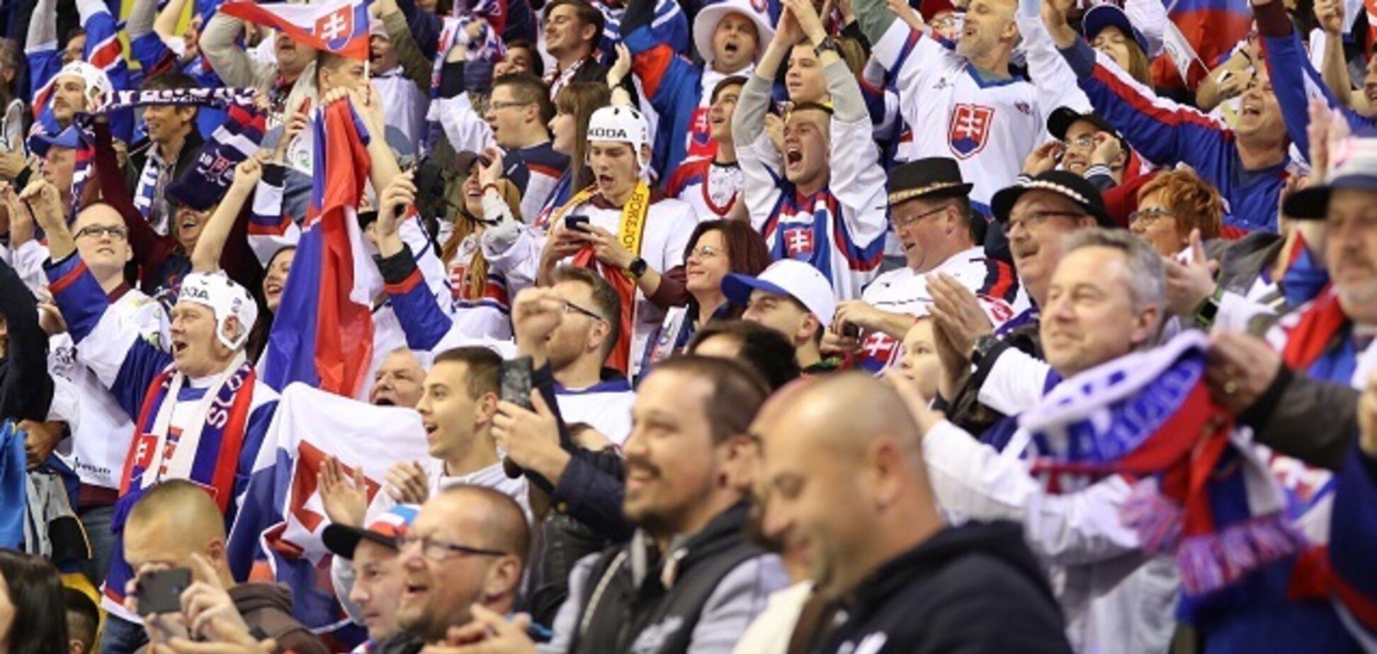 'Как обезьяны!' На чемпионате мира по хоккею вспыхнул громкий скандал: видеофакт