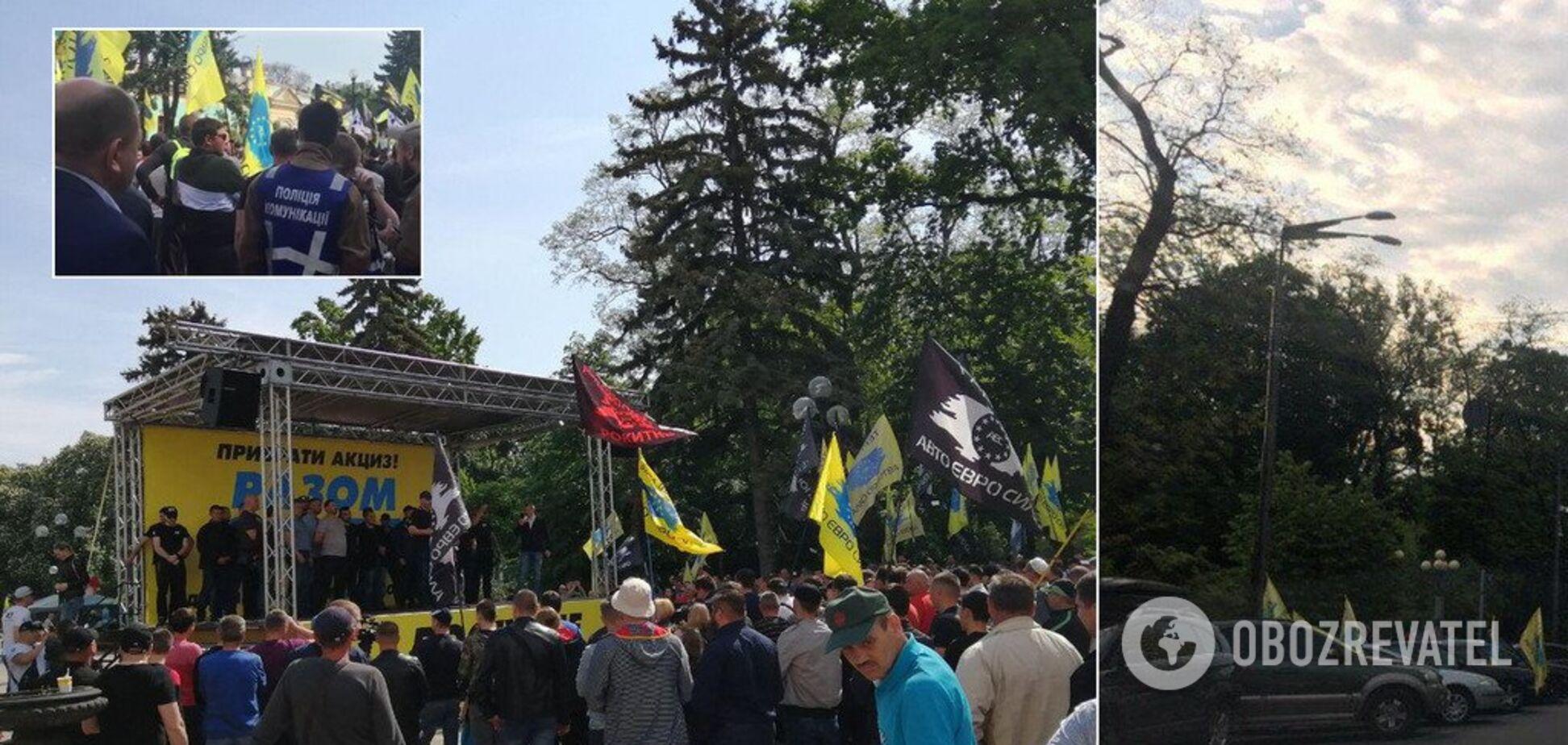 'Евробляхеры' перекрыли центр Киева и выдвинули условия: нардепы пошли на уступки