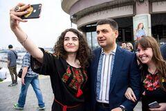Був схудлий Гройсман, Ляшко і зірки: в Києві влаштували показ вишиванок