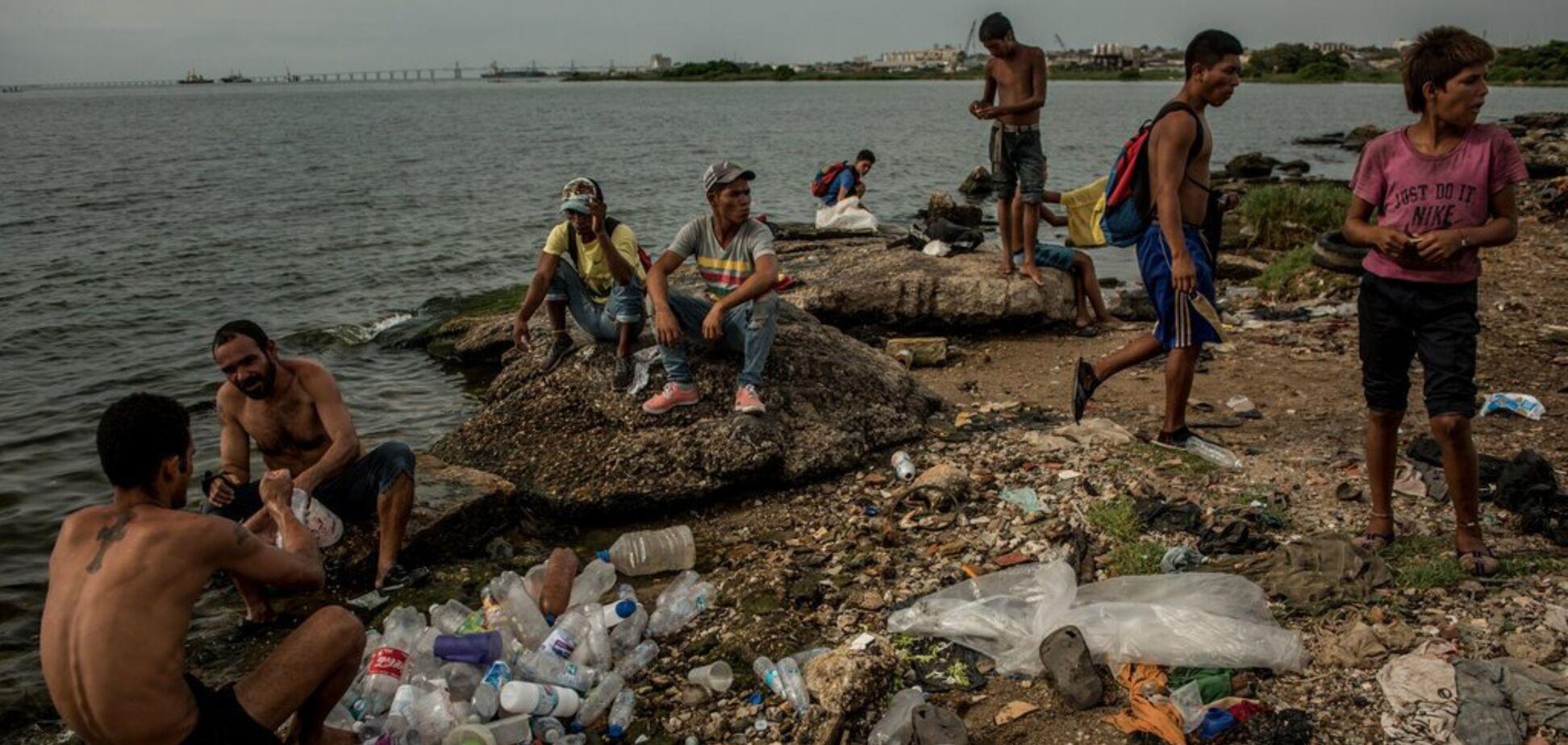 'Поставили страну на колени!' Экономисты объяснили крах Венесуэлы